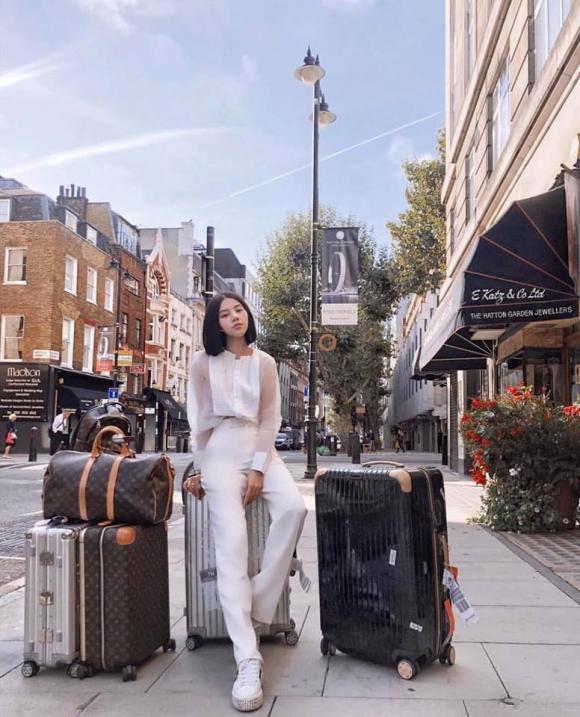 Jolie Nguyễn, hoa hậu hội con nhà giàu, sao Việt