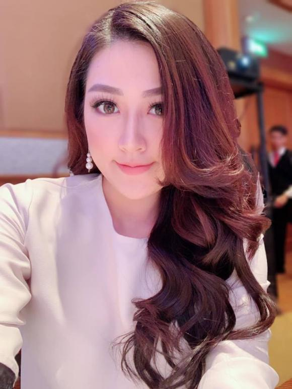 Á hậu Tú Anh, Dương Tú Anh, sao Việt