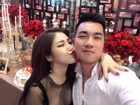 Hương Tràm, bạn trai Hương Tràm, sao Việt