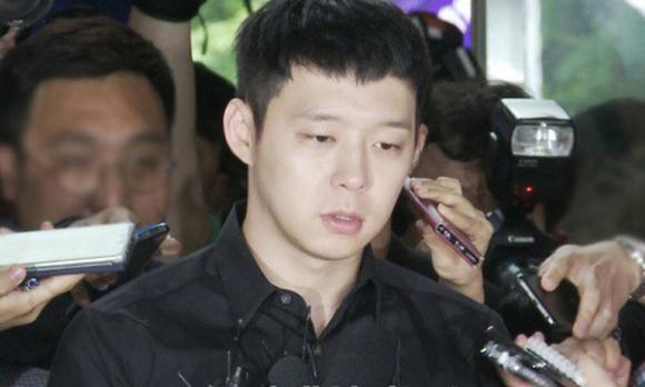 bê bối tình ái tồi tệ nhất lịch sử Kpop, Lee Byung Hun, Kim Hyun Joong