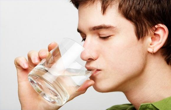 Thói quen có hại cho sức khỏe, thói quen gây bệnh, Uống quá nhiều nước, Uống sữa không béo