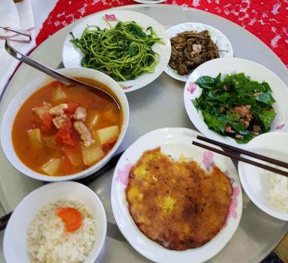 Cô dâu 62 tuổi, bữa cơm ngon, lấy chồng trẻ, Thu Sao