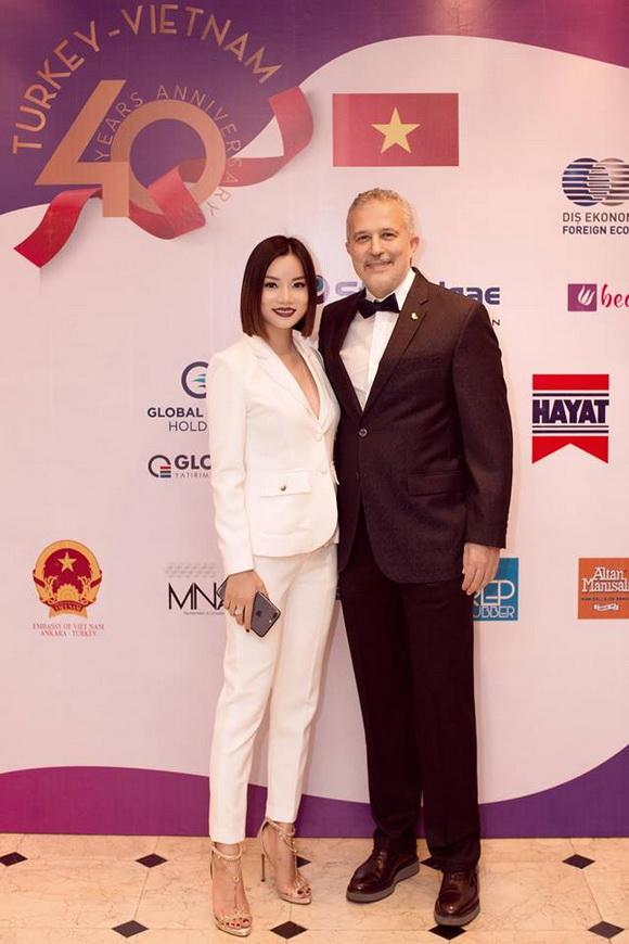 Vietnam International Fashion Week 2018, NTK Thùy Victory, Tuần lễ Thời trang Quốc tế Việt Nam