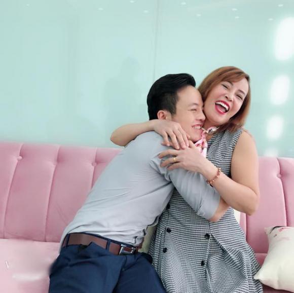 Cô dâu 62 tuổi, Thu Sao, chuyện tình bà cháu
