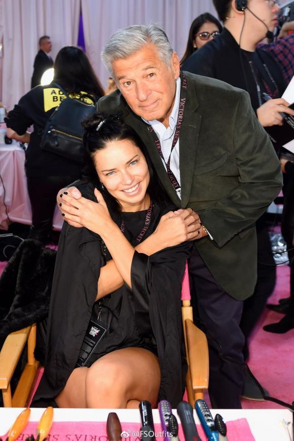 Adriana Lima,thiên thần Victoria's Secret,Victoria's Secret Fashion Show,Adriana Lima chia tay show nội y