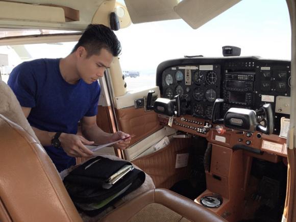 sao Việt, sao Việt làm phi công, Tiến Đoàn, Diệu Thúy, Hà Duy