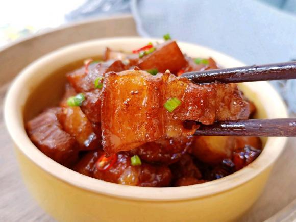 thịt kho nồi cơm điện, thịt kho, thịt lợn