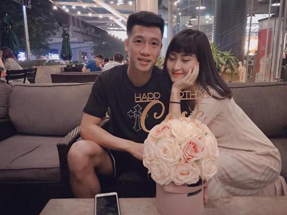 Huy Hùng, Tiến Dũng, Việt Nam, WAGs, bạn gái, tuyển thủ việt nam