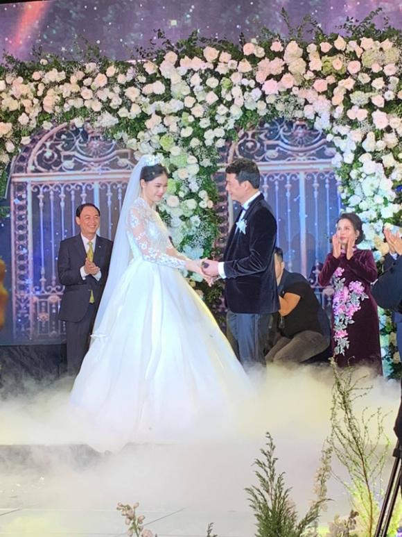 đám cưới Á hậu Thanh Tú, Thanh Tú, sao Việt, chồng Thanh Tú, thực đơn đám cưới