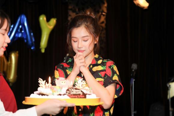 Hoàng Yến Chibi,Khổng Tú Quỳnh,Tháng năm rực rỡ