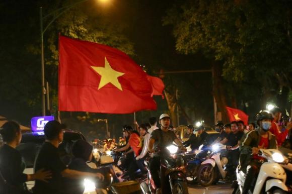 Bùi Tiến Dũng, bạn gái Bùi Tiến Dũng, bóng đá Việt Nam