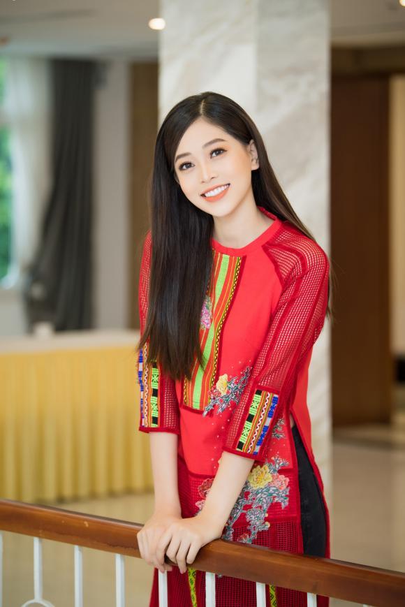 Á hậu phương nga,phương nga diện áo dài,hoa hậu việt nam 2018
