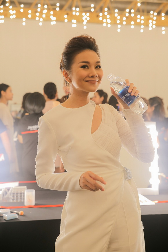 Châu Bùi, Jolie Nguyễn, Elle Fashion Journey, aquafina, aquafina x Công Trí