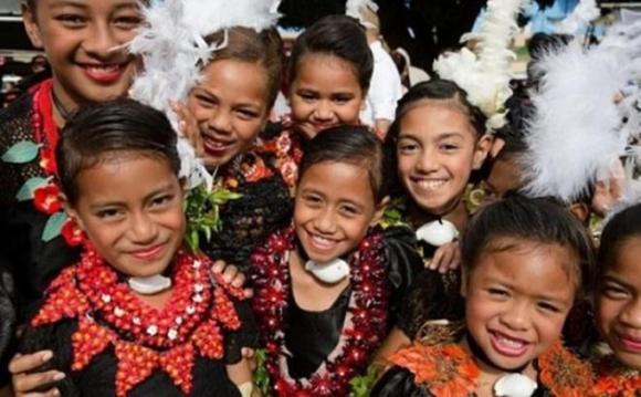 Chuyện lạ quanh ta, Phụ nữ to béo, Vương quốc Tonga