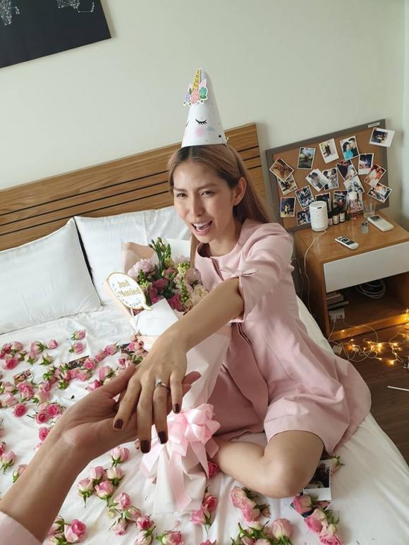 người mẫu Thùy Dương, Thùy Dương Next Top, sao Việt, Thùy Dương được cầu hôn