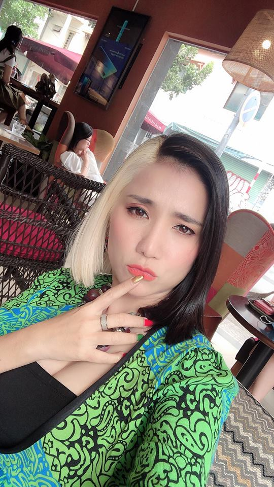 Cát Tường,Cát Tường nhuộm tóc bạch kim,sao Việt