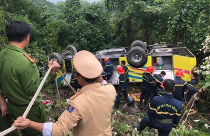 xe khách, lái xe khách gây tai nạn, tai nạn xe khách, xe công nông