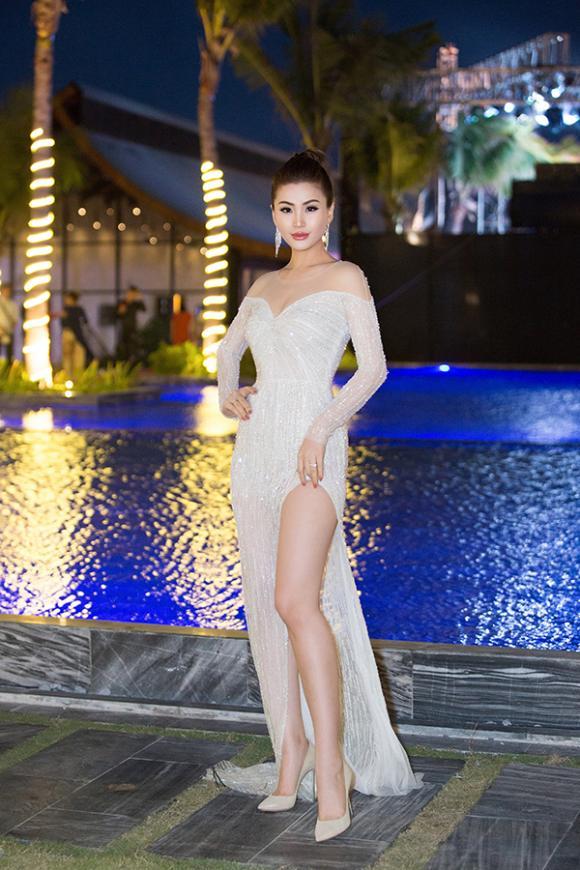 Á hậu Diễm Trang, trần Tiểu Vy