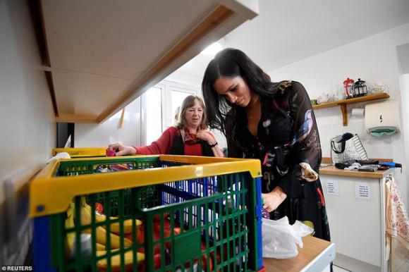 Hoàng gia Anh,Meghan Markle,nghi vấn Meghan mang thai giả