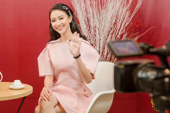Á hậu hà thu,top 16 Miss Earth,hà thu thích áp lực người nổi tiếng