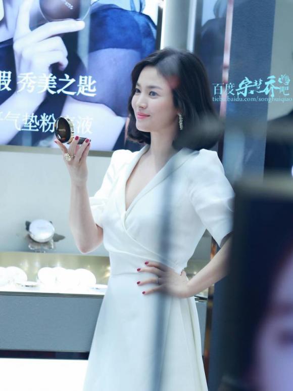 Song Hye Kyo,Song Hye Kyo không đeo nhẫn cưới,sao Hàn