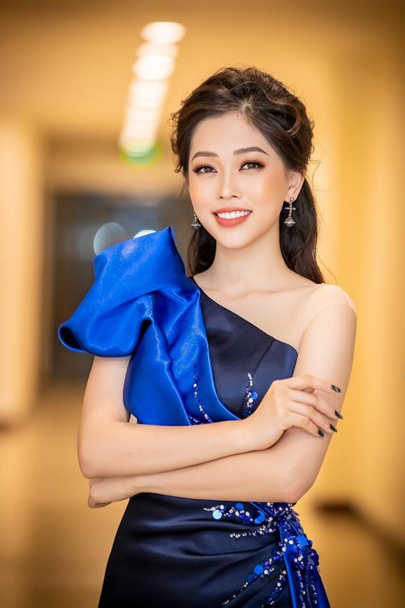 Á hậu phương nga,hoa hậu việt nam 2018,phương nga làm mc