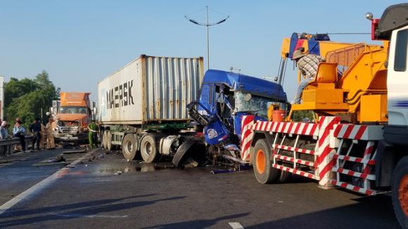 tai nạn giao thông, cao tốc TP.HCM - Trung Lương, Tiền Giang, xe container