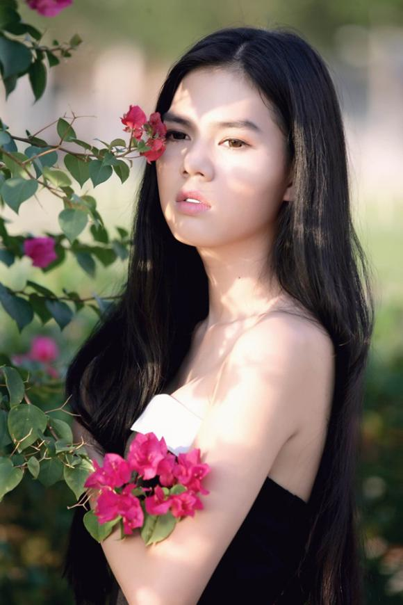 Ngọc Trinh, bản sao Ngọc Trinh, Khánh My, Julia Hồ
