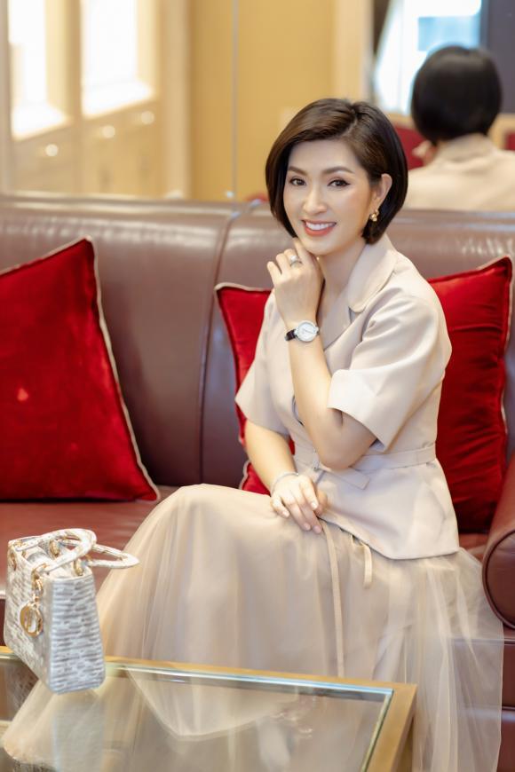 Nguyễn Hồng Nhung, sao việt