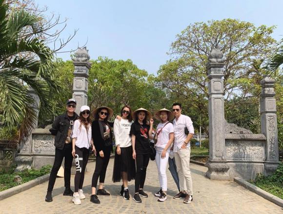 Quỳnh Nga, Việt Anh, Lã Thanh Huyền, Huyền Lizzie, Phương Anh, Thu Hoài, sao Việt