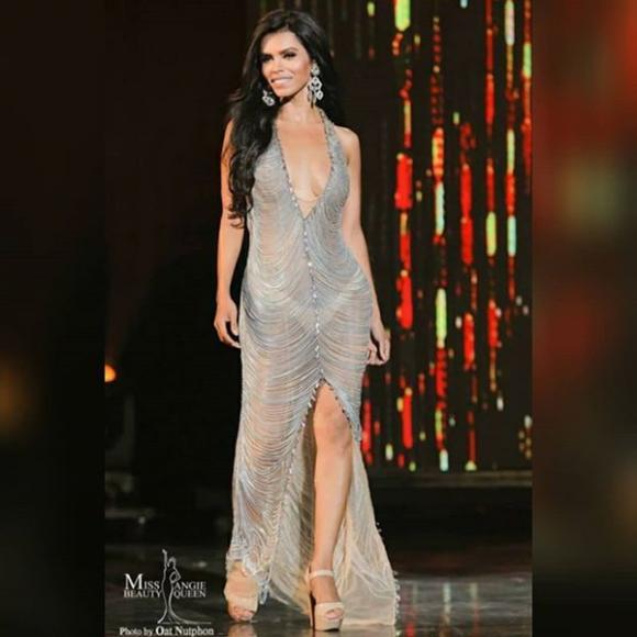 Đối thủ Nhật Hà tại Miss International Queen bị chỉ trích vì