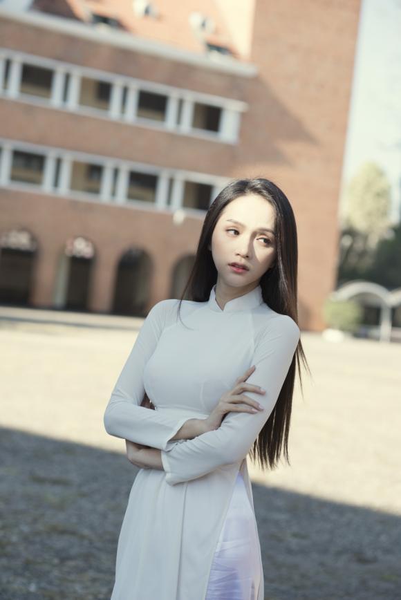 Hương Giang idol, hoa hậu chuyển giới,
