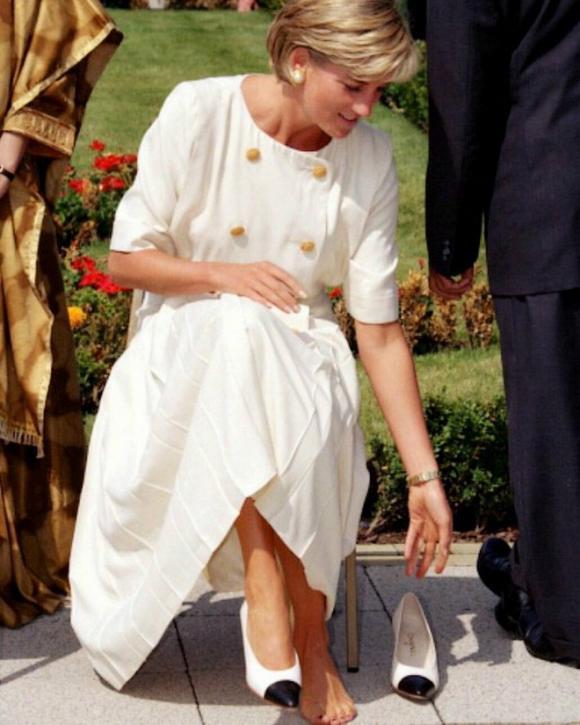nữ Công tước Camilla,Công nương Diana,Nữ hoàng Anh