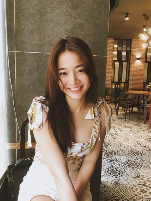 Hương Giang, cô gái đóng MV của Hương Giang, thời trang của cô gái đóng MV của Hương Giang