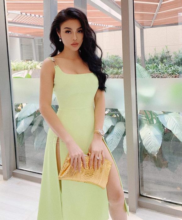 Hoa hậu Julia Hồ, bản sao ngọc trinh, sao việt