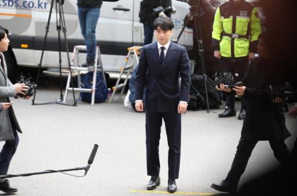 Seungri,Big Bang,Jung Joon Young,Seungri đi thẩm vấn,Seungri tới sở cảnh sát,scandal của Seungri