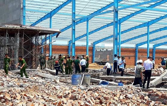 sập nhà xưởng, công trình xây dựng, Vĩnh Long, Khu Công nghiệp Hòa Phú