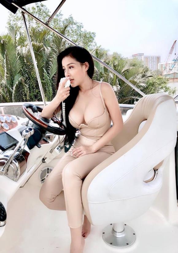 Ngân 98, Lương Bằng Quang, mẹ Lương Bằng Quang
