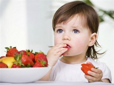 những cách chăm con đúng cách, lưu ý khi chăm con nhỏ, mẹo đối phó với trẻ biếng ăn
