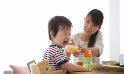 máy hút vệ sinh mũi, trẻ sơ sinh, sức khỏe trẻ em