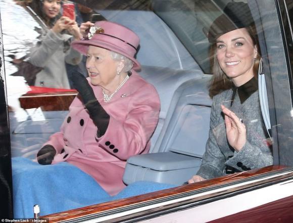 Nữ hoàng Anh,Công nương Kate,gia đình Hoàng gia Anh