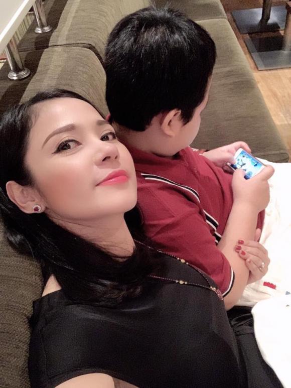 'Người đẹp Tây đô', Việt Trinh , con trai, sao việt