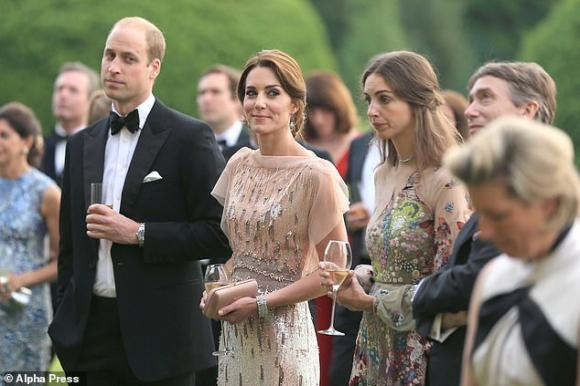 Hoàng gia Anh,Công nương Kate,Kate mâu thuẫn với bạn thân