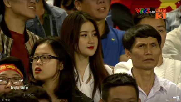 U23 Việt Nam - U23 Thái Lan, CĐV xinh đẹp, Mạng xã hội