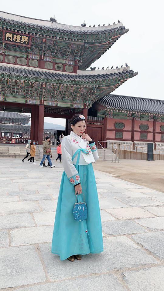 Ca sĩ lệ quyên,nữ hoàng phòng trà,lệ quyên diện hanbok