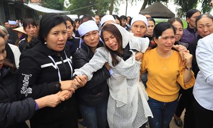 tai nạn giao thông, Quy Nhơn, siêu xe lao vào đám tang, biến tứ quý