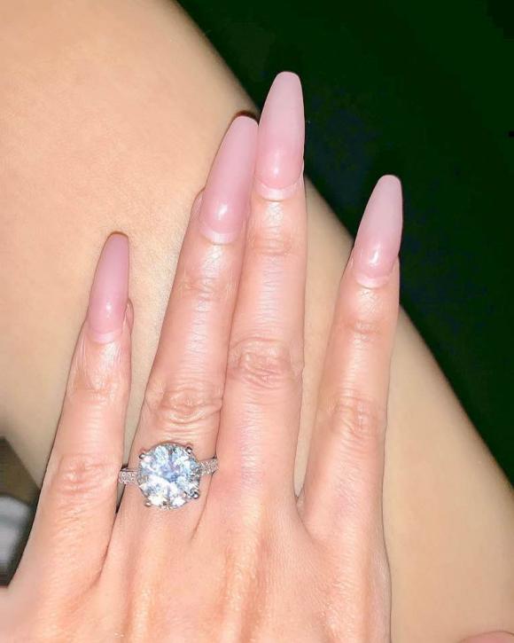 Đinh Phương Ánh, tình cũ Hà Dũng, Đinh Phương Ánh được cầu hôn