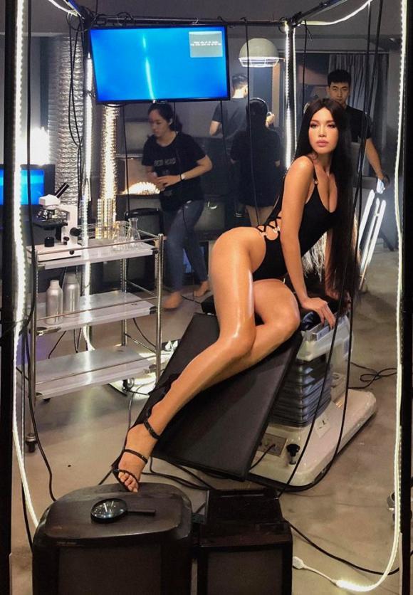 Minh Tú, siêu mẫu Minh Tú, sao Việt