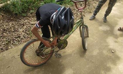 cậu bé đạp xe 100km xuống Hà Nội thăm em, Vì Quyết Chiến, Mạng xã hội