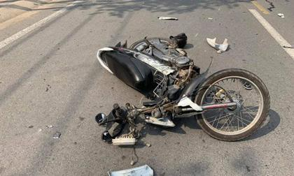 Nữ tài xế lái Mercedes gây tai nạn, Clip tai nạn, Tai nạn giao thông